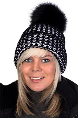 Beanie P 126 Mütze, Pudelmütze, Wintermütze mit großer Fellbommel aus Fellimitat -