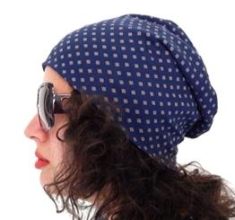 Long Beanie von Ella Jonte blau mit kleinem Muster im all over Print - die hippe Trendsettermütze im Oversize-Look - kombiniert perfekt Style und Komfort -