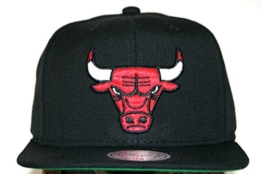 Mitchell & Ness Chicago Bulls WOOL SOLID NL99Z Snapback Cap -