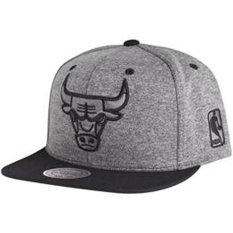 Mitchell & Ness Herren Caps / Snapback Cap Broad Chicago Bulls grau Verstellbar -