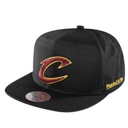Mitchell & Ness Herren Caps / Snapback Cap NBA Black Ripstop Honeycomb Cleveland Cavaliers schwarz Verstellbar -