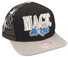 ORLANDO MAGIC - MITCHELL & NESS SNAPBACK - NJ10Z - BLACK Größentabelle: One-size-fitts-all -