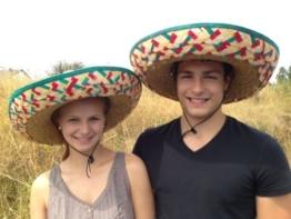 Sombrero-Set Mexikanerhüte in bunten Farben - 2er Pack -