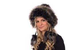 Tatra Mütze Sarah B Mütze mit Fleecefutter, Pudelmütze, Wintermütze mit Fellbommeln aus Fellimitat, Handarbeit aus EU (schwarz mit braunem Fell (149)) -